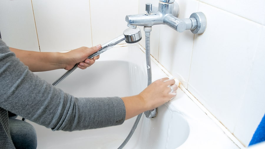 Fixing Leaky Bathtub Faucet