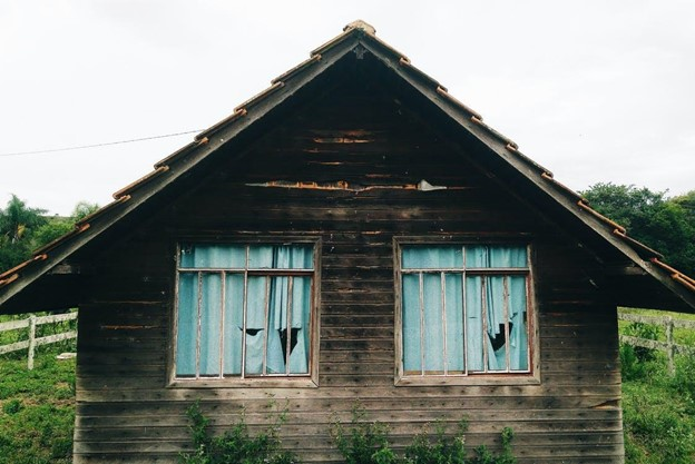 Is It Dangerous To Live In A House With Black Mold